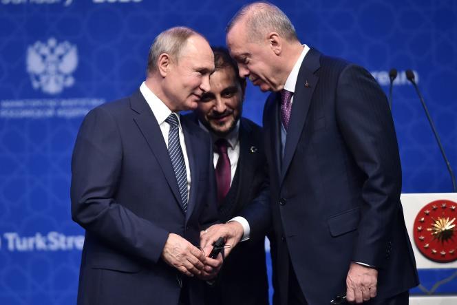 Le président russe Vladimir Poutine (à gauche) et son homologue turc Recep Tayyip Erdogan lors de leur rencontre à Istanbul, le 8 janvier.