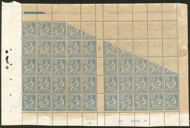 Impression recto-verso sur une feuille de timbres au type Mouchon. Prix de départ:4500 euros.