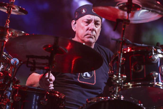 Neil Peart en concert à Los Angeles avec Rush, en août 2015.