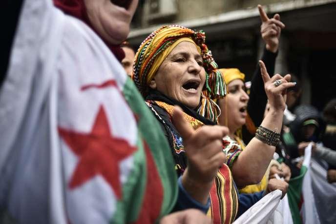 Des manifestantes à Alger, le 10janvier.