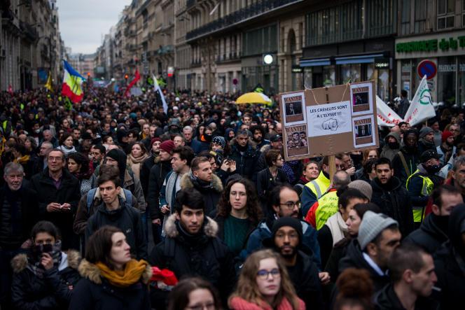 Manifestation contre la réforme des retraites, à Paris, le 9 janvier.
