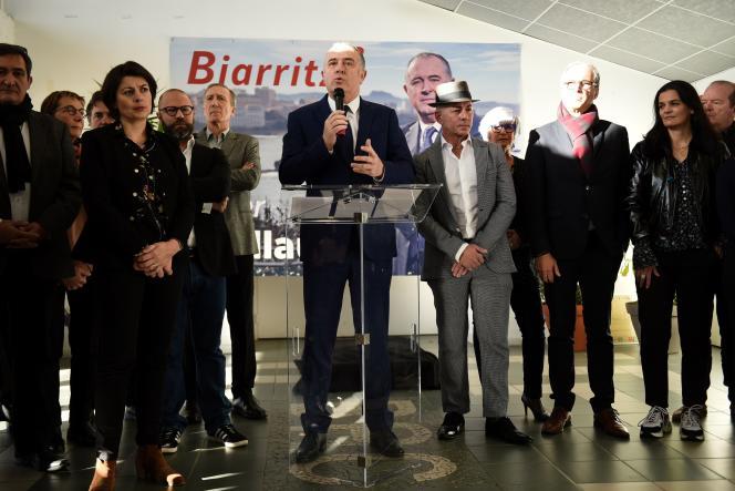 Didier Guillaume lors de sa déclaration de candidature, le 11 janvier à Biarritz, entouré des candidats de sa liste.