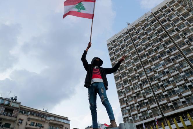 Pendant une manifestation, à Beyrouth, le 11 janvier 2020.