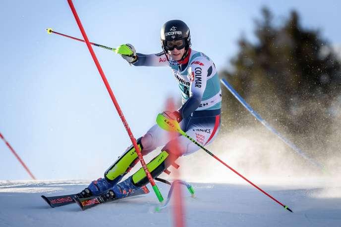 Clément Noël, lors de la première manche du slalom d'Adelboden, en Suisse, le 12 janvier 2020.