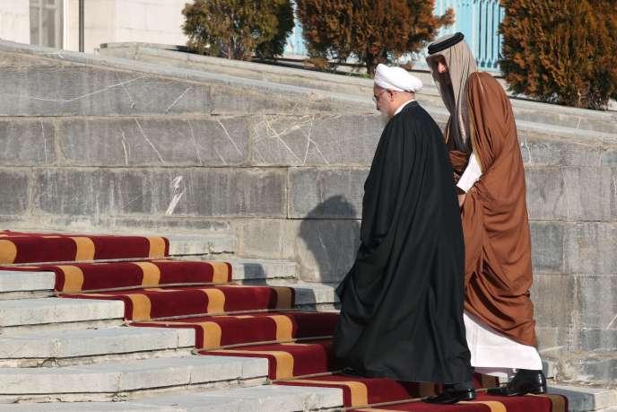 Le président iranien Hassan Rohani (à gauche) accueille l'émir du Qatar, Tamim Ben Hamad Al Thani, à Téhéran,le 12 janvier.