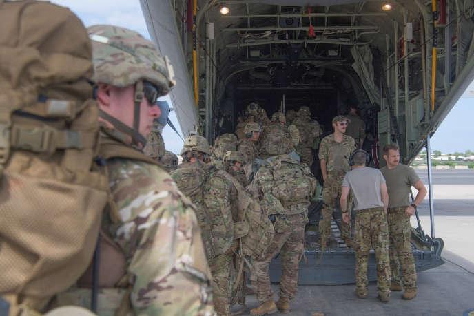 Des soldats américains sur le tarmac du camp Lemonnier, àDjibouti, le 5 janvier 2020.