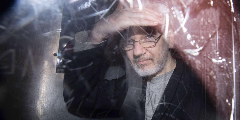 En prison, Julian Assange prépare tant bien que mal son procès en extradition