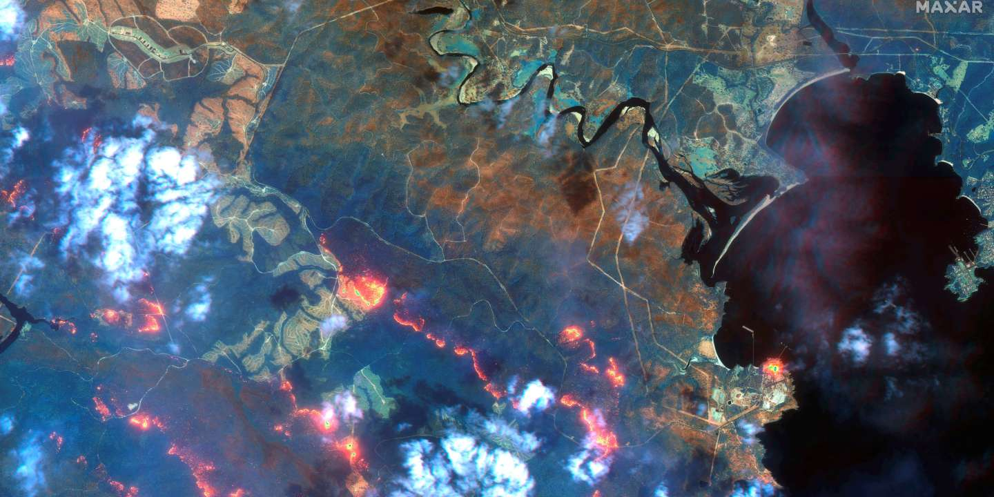 A view shows fire lines south of Eden, New South Wales, Australia, in this handout Maxar's WorldView-3 satellite image taken on January 12, 2020. Satellite image ?2020 Maxar Technologies/Handout via REUTERS          ATTENTION EDITORS - THIS IMAGE HAS BEEN SUPPLIED BY A THIRD PARTY. NO RESALES. NO ARCHIVES. MUST NOT OBSCURE LOGO. MANDATORY CREDIT.     TPX IMAGES OF THE DAY