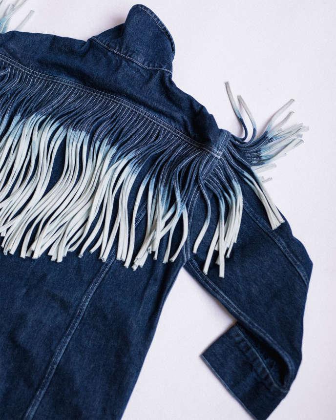 Robe-veste en denim à franges,Levi's Made & Crafted, 180 €.