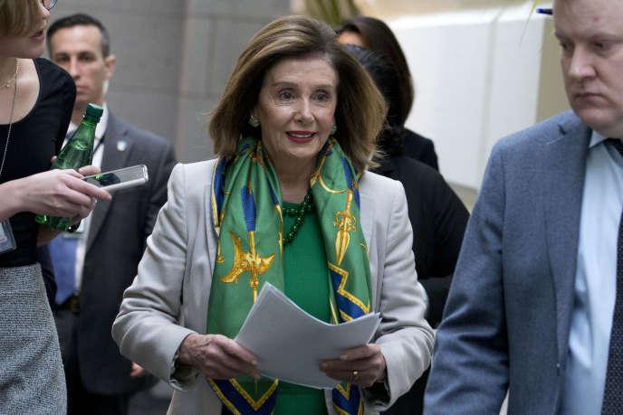 La présidente démocrate de la Chambre des représentants, Nancy Pelosi, a annoncé mardi 14 janvier à Washington que l'acte d'accusation pour la destitution de Donald Trump serait transmis mercredi au Sénat.