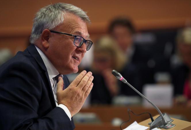 Le commissaire à l'emploi et aux droits sociaux, Nicolas Schmit, est entendu par le Parlement européen, à Bruxelles, le 1er octobre 2019.