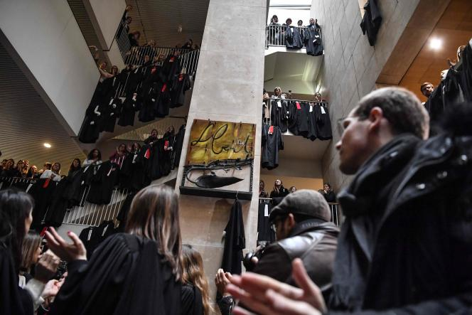 Manifestation d'avocatsau tribunal de Lyon, le 13 janvier.