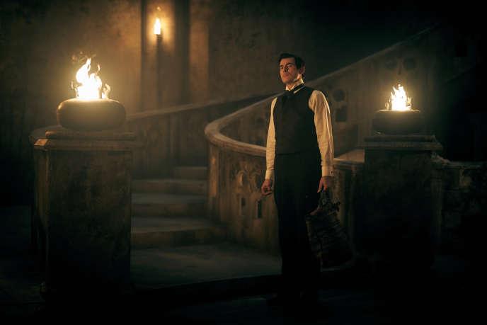 Claes Bang incarne un Dracula aux allures de James Bond.