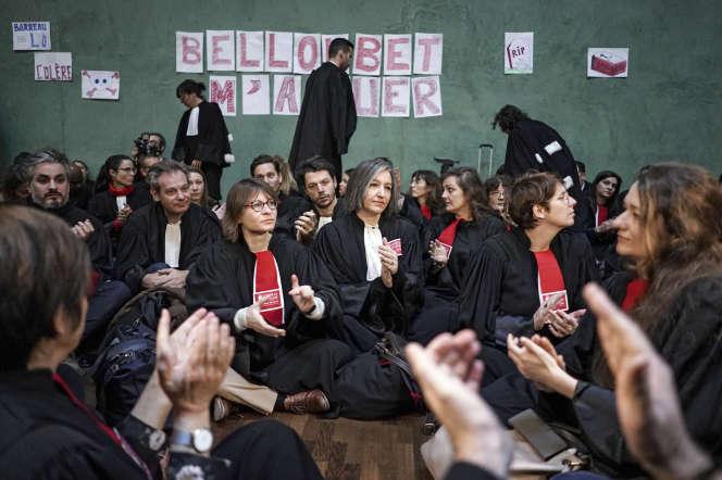 Des avocats se mobilisent au tribunal de Lyon, le 14 janvier.
