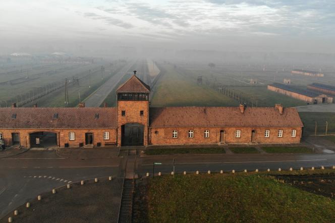 Vue aérienne du camp d'Auschwitz, 15 décembre 2019.