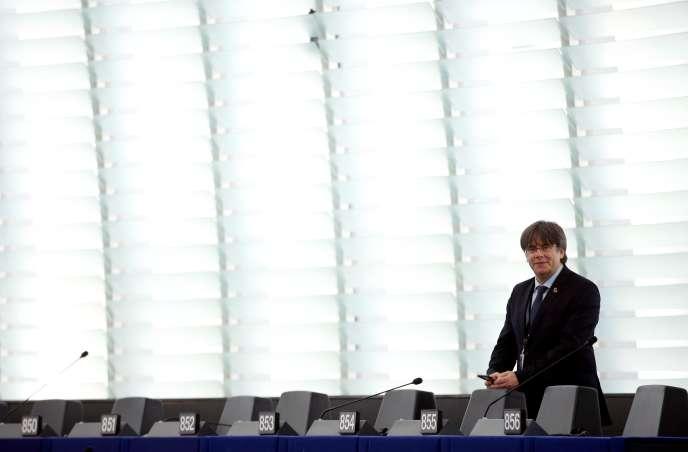 L'ancien dirigeant du gouvernement catalan Carles Puigdemont au Parlement européen à Strasbourg, le 15 janvier.