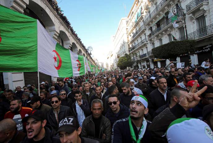Manifestation antigouvernementale à Alger, le 3 janvier 2020.