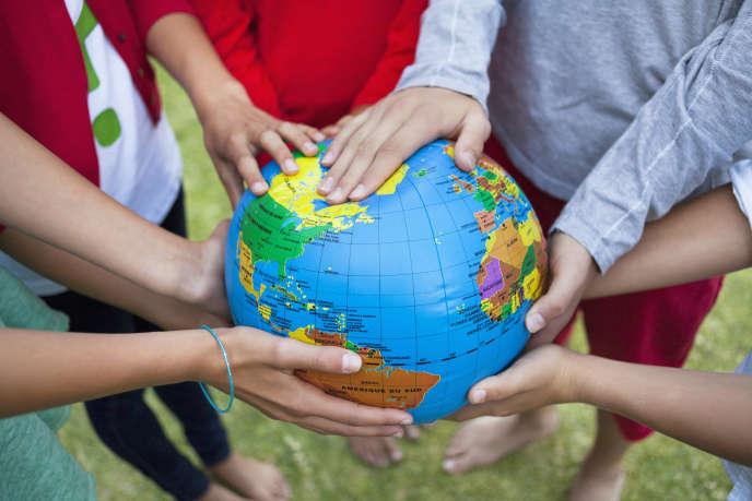 « Il est urgent de réduire drastiquement notre empreinte écologique, de ne plus « consommer » qu'une seule planète, de préserver le climat et la biodiversité, de protéger les communs planétaires »