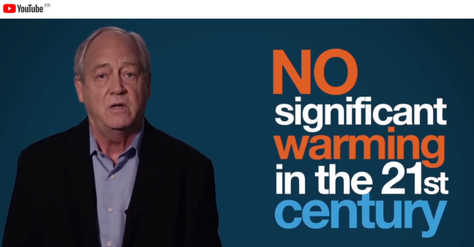Capture d'écran d'une vidéo dans laquelle Patrick Moore, une figure du climatoscepticisme, conteste le réchauffement climatique :« Pas de réchauffement significatif au XXIe siècle».