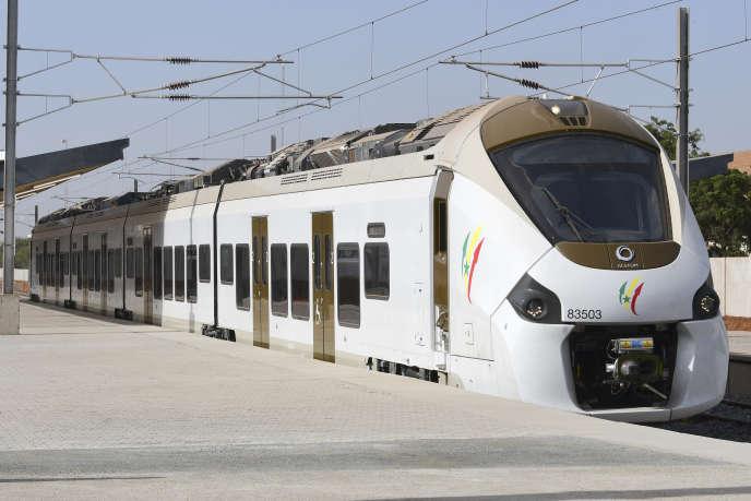 Inauguration le 14 janvier 2019 àDakar du train régional express (TER) qui doit relier la capitale sénégalaise au nouveau centre administratif en cours de construction à Diamniadio.