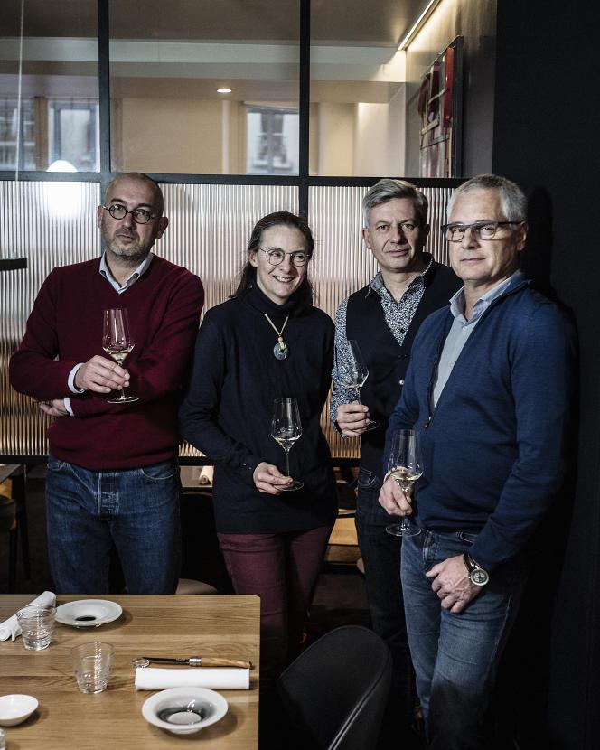 Thomas Duroux, Claire Naudin, Ludovic David, Patrick Guiraud, au restaurant Fleur de Pavé, à Paris, le lundi 13 janvier.