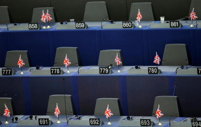 Les sièges des eurodéputés britanniques lors de la première séance plénière du Parlement européen, le 2 juillet 2019.