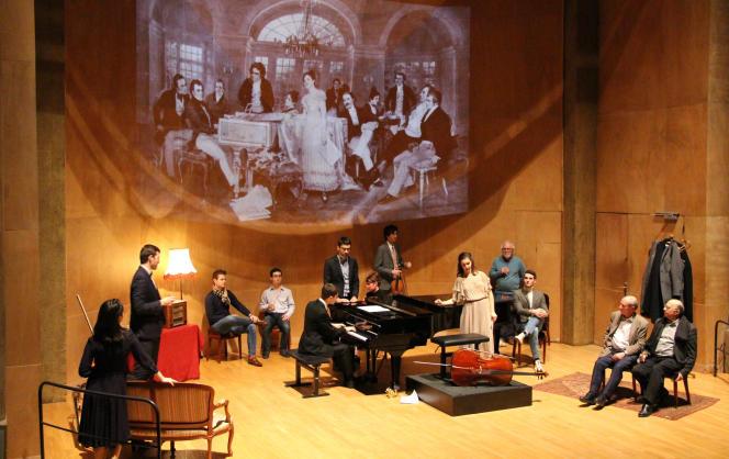 Pour son programme«Quintette à cordes avec piano D.667», de Schubert, le Centre de musique de chambre de Paris reproduit d'anciennes Schubertiades, illustrées par des gravures d'époque projetées en fond de scène.Salle Cortot, à Paris, le 16 janvier.