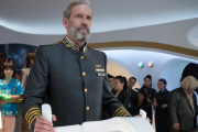 Hugh Laurie interprète le capitaine Ryan Clark.