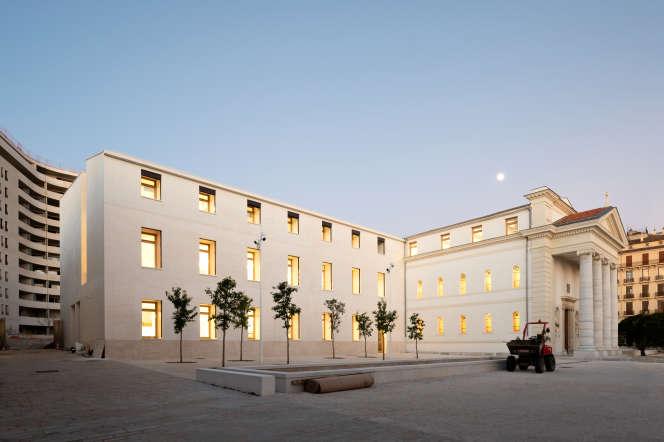 La médiathèque du nouveau quartier Chalucet, conçue par l'architecteCorinne Vezzoni.
