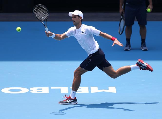 Le Serbe Novak Djokovic, à l'entraînement au Melbourne Park, samedi 18 janvier.