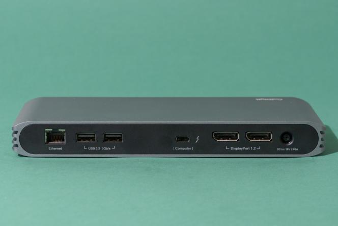 Le dos du dock CalDigit comprend un Ethernet gigabit, deux USB-A 3.2 Gen 1, un Thunderbolt 3/USB-C et deux DisplayPort.