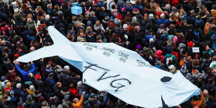 En Emilie-Romagne, les « sardines » veulent peser contre l'extrême droite de Salvini