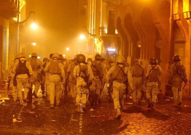 Des soldats libanais à Beyrouth, dimanche 19 janvier. REUTERS/Mohamed Azakir