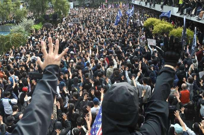 Rassemblementsur la place de Chater Garden, dans le quartier de Central, àHongkong, le 19 janvier 2020.