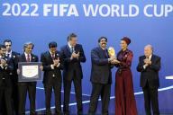 Le 2 décembre 2010, l'émir du Qatar, Hamad Ben Khalifa Al-Thani, se voit attribuer l'organisation de la Coupe du monde 2022.