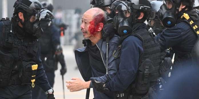 Hongkong : violents affrontements avec des policiers lors d'une manifestation prodémocratie