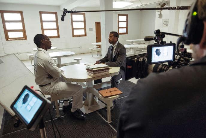 Lors du tournage de «La Voie dela justice», qui s'attache à l'une des premières grandes affaires défendues par Bryan Stevenson. Michael B. Jordan (à droite) incarne l'avocat.