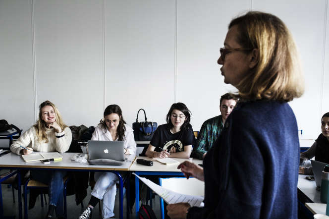 Un cours d'un master en alternance, à La Sorbonne Nouvelle, à Paris