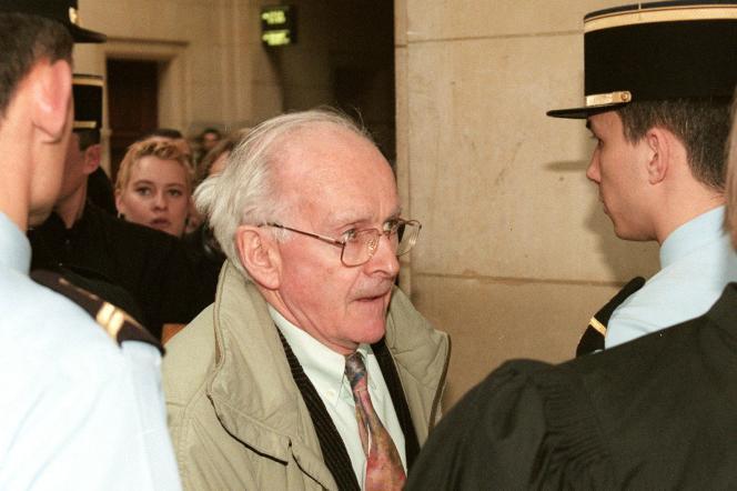 L'écrivain et professeur Robert Faurisson, en février 1998, au tribunal correctionnel de Paris, pour soutenir Roger Garaudy, poursuivi pour contestation de crimes contre l'humanité.