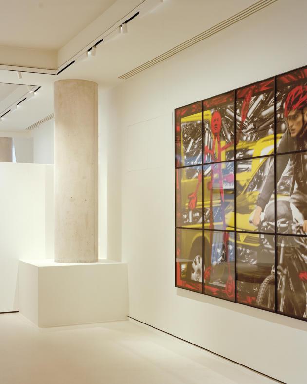 Dans la première salle d'exposition, «Commercial Street» (2013), de Gilbert & Georges.