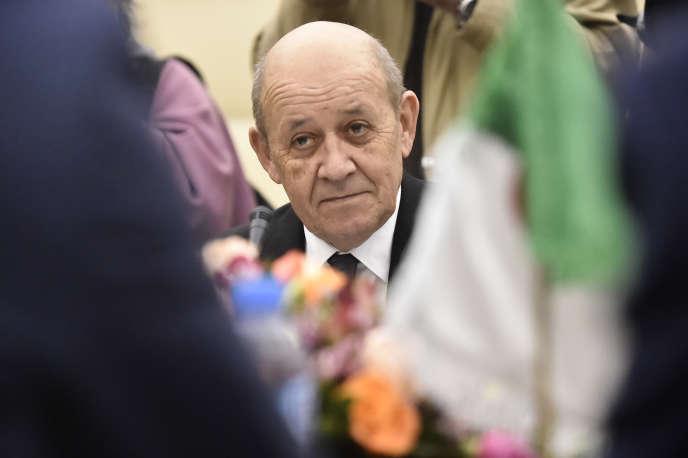 Le ministre français des affaires étrangères Jean-Yves Le Drian à Alger, le 21 janvier 2020.