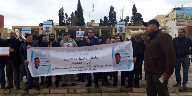 Au Maroc, un lycéen jugé pour un post Facebook