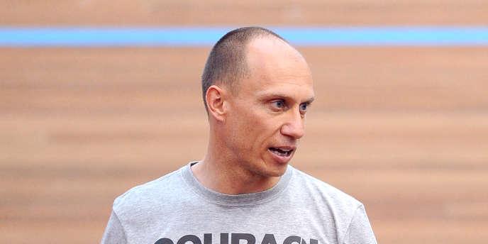 Florian Rousseau ici en 2012 lorsqu'il était entraîneur national de cyclisme sur piste.