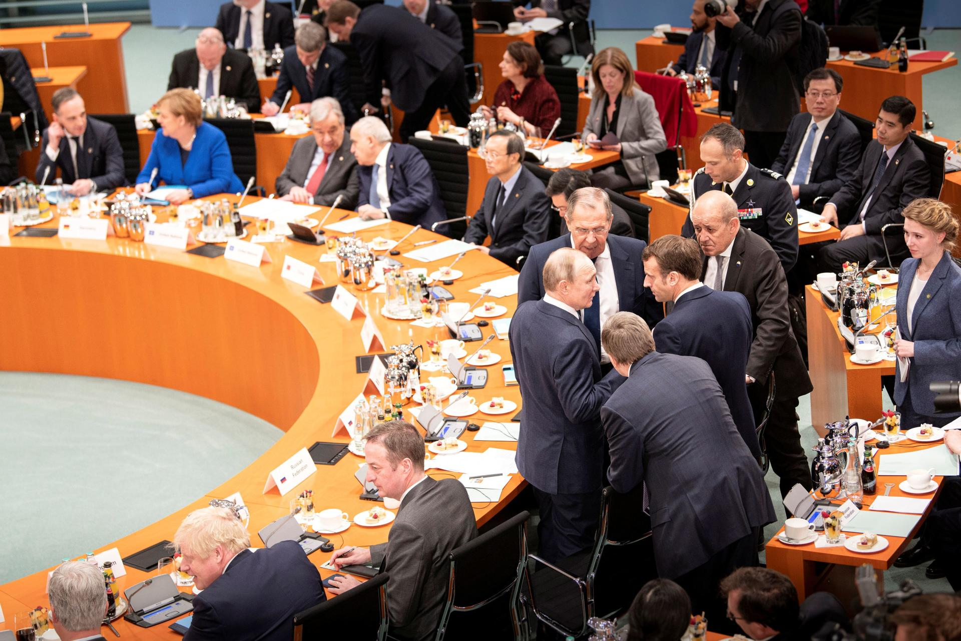 Emmanuel Macron, Vladimir Poutine et Sergueï Lavrov à Berlin, le 19 janvier 2020.