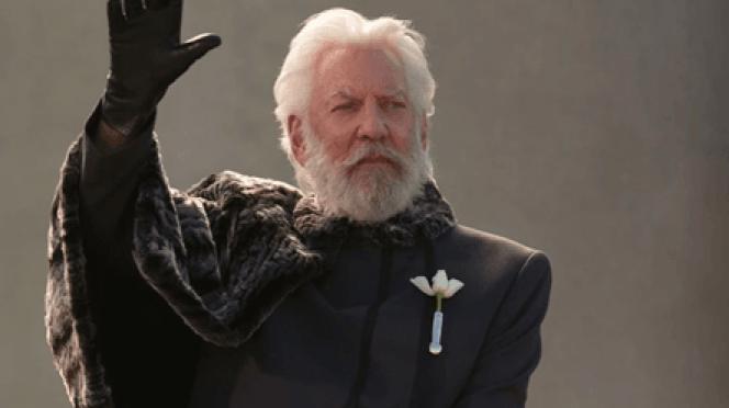 Au cinéma, l'acteur Donald Sutherland incarne Coriolanus Snow.