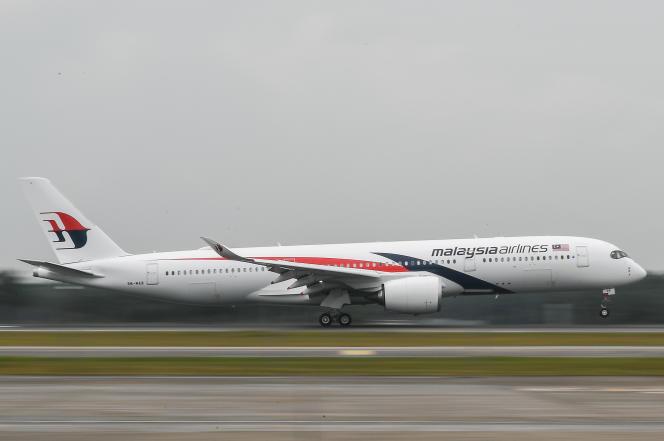 Un Airbus A350 de Malaysia Airlines atterrit à l'aéroport international de Kuala Luympur, à Sepang, en novembre 2017.