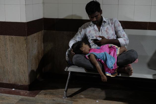 Dans un couloir de l'hôpital Sion de Bombay, le 26 novembre 2019.