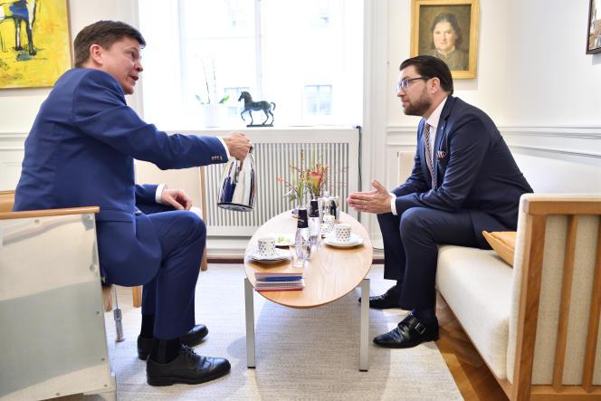 Le président du Parlement suédois, Andreas Norlén, et le chef du parti d'extrême droiteDémocrates de Suède, Jimmie Akesson, à Stockholm, en 2018.