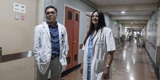 Les médecinsSheila Nainan Myarta et Sanjay Biswas du Tata Memorial hospital de Mumbai, le 28 novembre 2019.