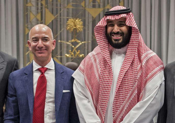 Le président d'Amazon, Jeff Bezos et le prince d'Arabie Saoudite, Mohammed ben Salman, à Riyad, le 9 novembre 2016.